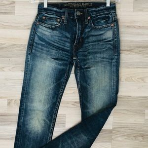 American Eagle outfitters classic dark blue Jeans
